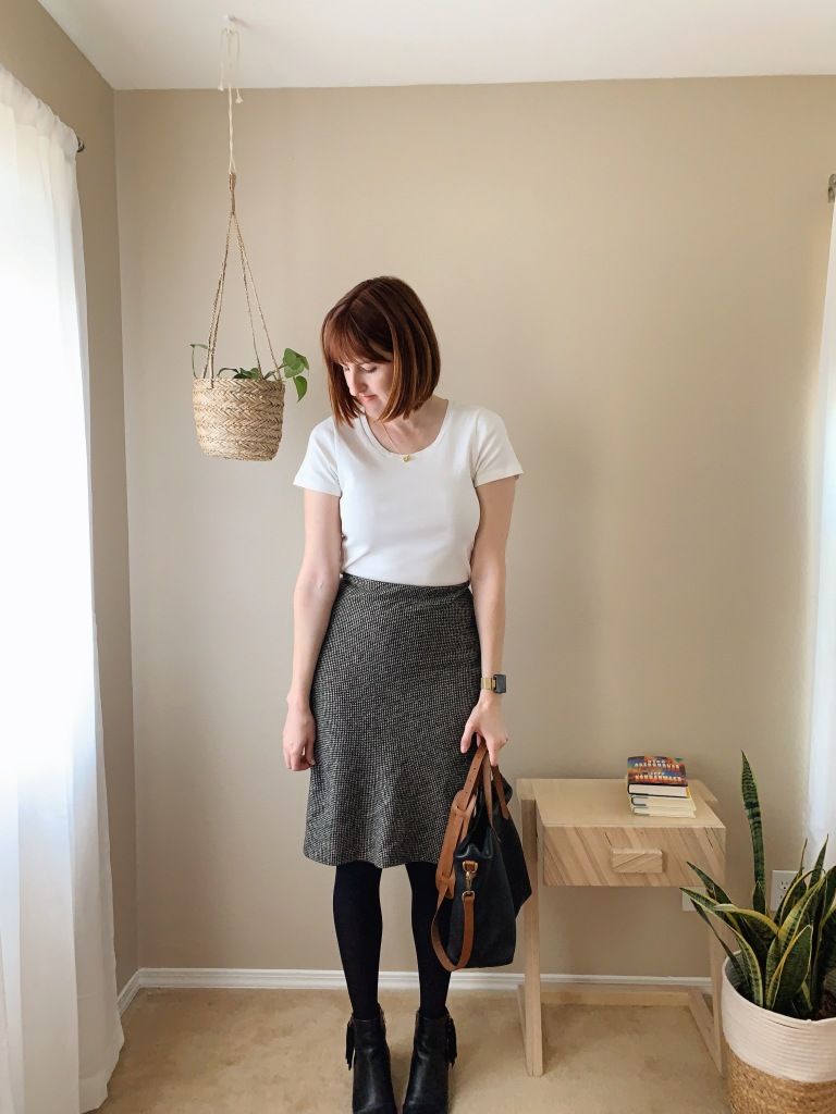 Business casual outfits with skirts and tights